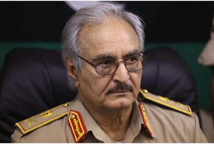 Khalifa Haftar è la vera star del vertice sulla Libia