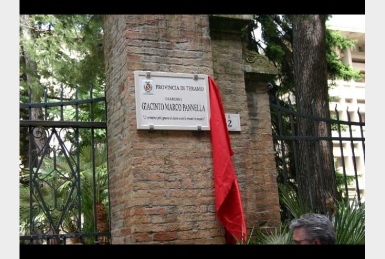 Pannella teramo dedicati giardini tiscali notizie for Radio radicale in diretta