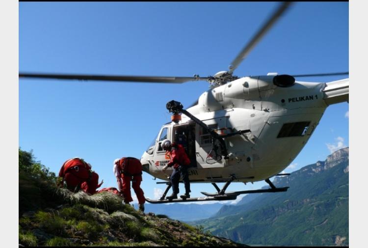 Elicottero In Tedesco : Tedesco muore precipitando in montagna tiscali notizie