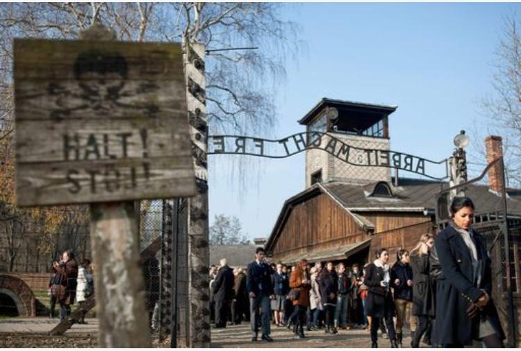 Elicottero Nazista : Il papa oggi al lager di auschwitz birkenau visita in