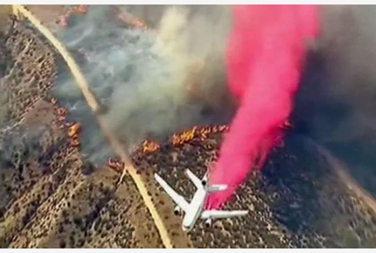 Emergenza incendi in California: evacuate 82mila persone [GALLERY]