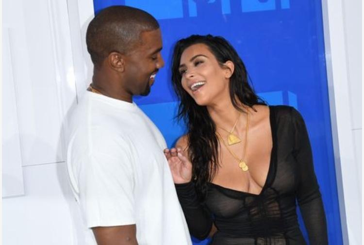 Kim Kardashian legata e rinchiusa nel bagno del suo hotel