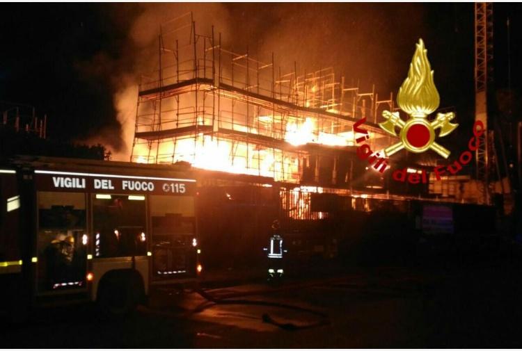 Incendio_Anagnina_16102016.jpg_997313609.jpg (750×505)