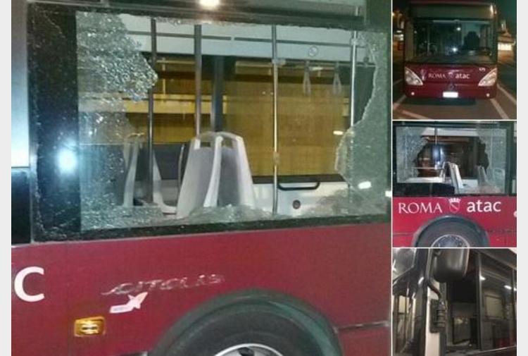 Roma bus colpiti con fionde e biglie si cercano due for Roma mobile atac