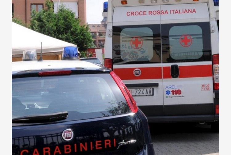 Bollate (Milano), sudamericano trovato morto in strada: forse è stato investito