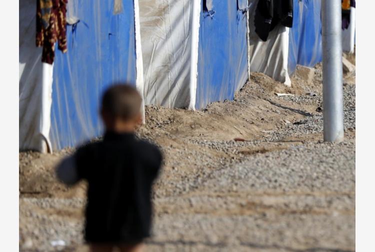 Mosul, l'orrore senza fine dell'Is: cecchini uccidono bambini in fuga