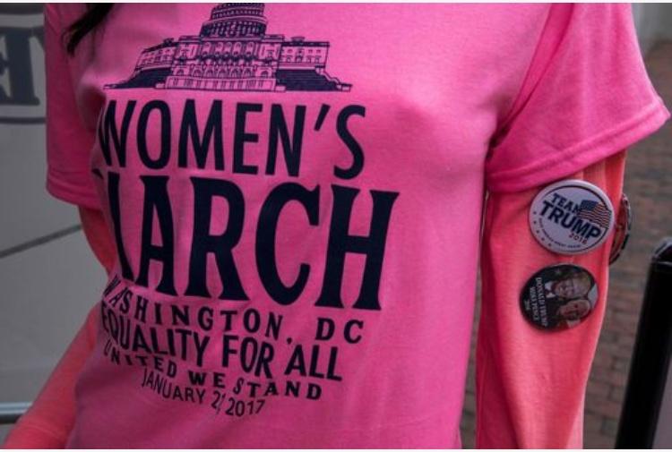 La marcia delle donne contro Trump