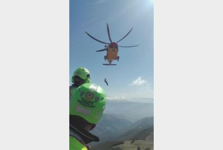 Elicottero Caduto : Elicottero caduto aiuti famiglie vittime tiscali notizie