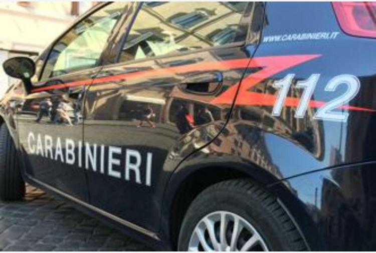 Caivano: ucciso un uomo a bordo di un'auto