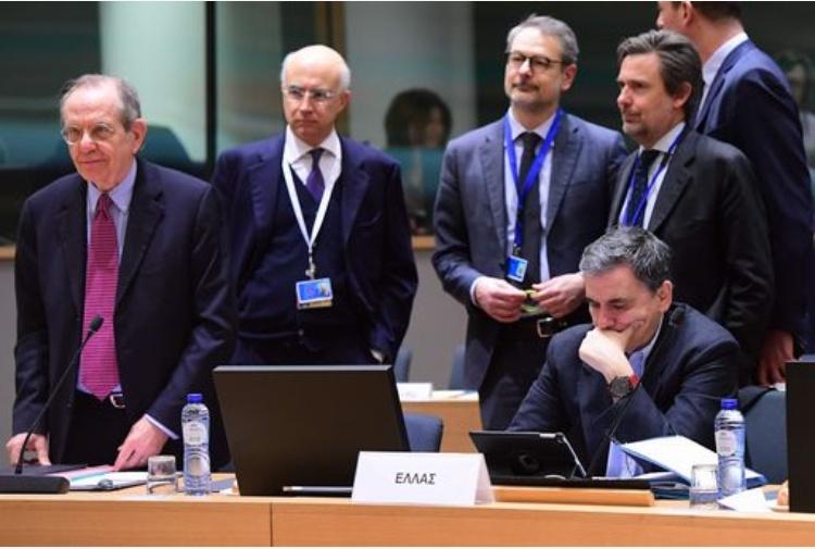 Conti pubblici, Padoan a Ue: no accelerazione, danneggia economia