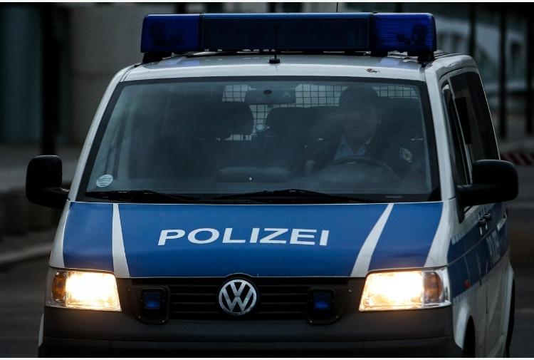 Germania aeroporto di Amburgo chiuso per un'ora 50 persone intossicate