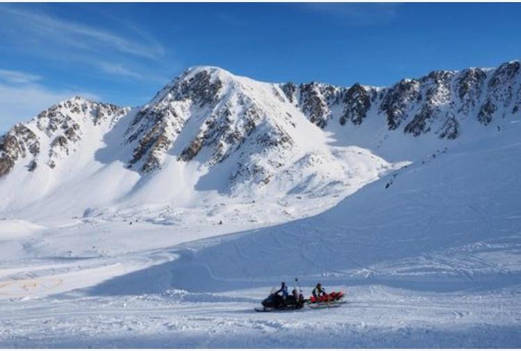 Francia, valanga travolge 9 sciatori: almeno 4 morti