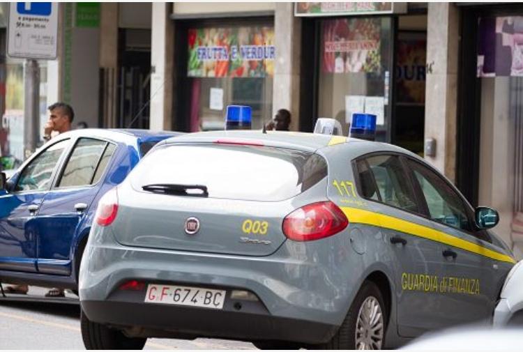 Arresti oro riciclato Guardia di Finanza Torino, maxi operazione in corso