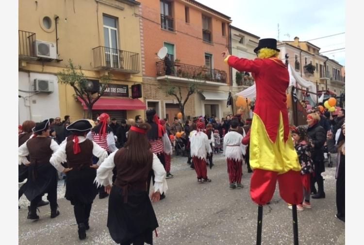 Carnevale, bagno folla Termoli e Larino
