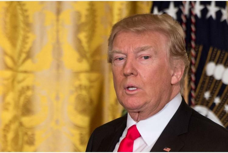 Trump ei russi. L'FBI indaga, lo conferma Comey