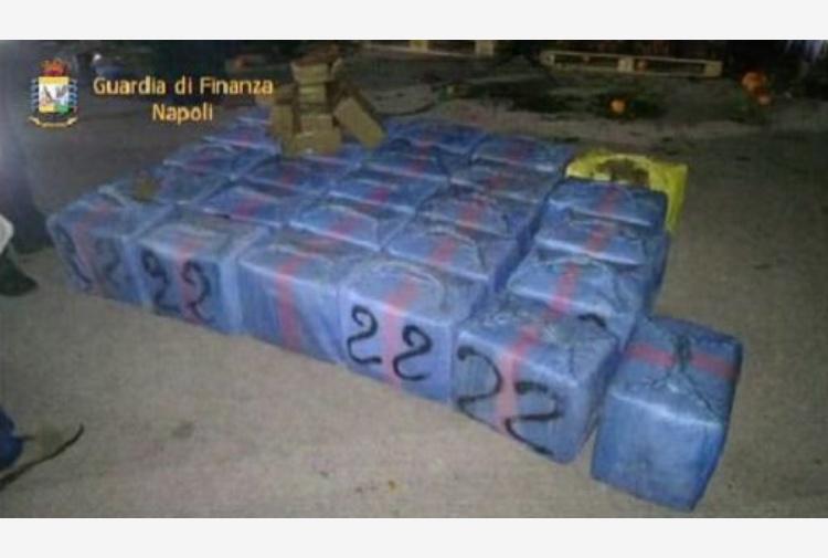 Trentacinque chili di hashish nascosti in magazzino: in manette 45enne