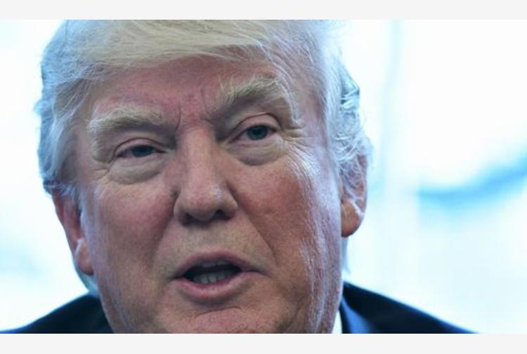 Trump chiede un mld di dollari per muro con il Messico