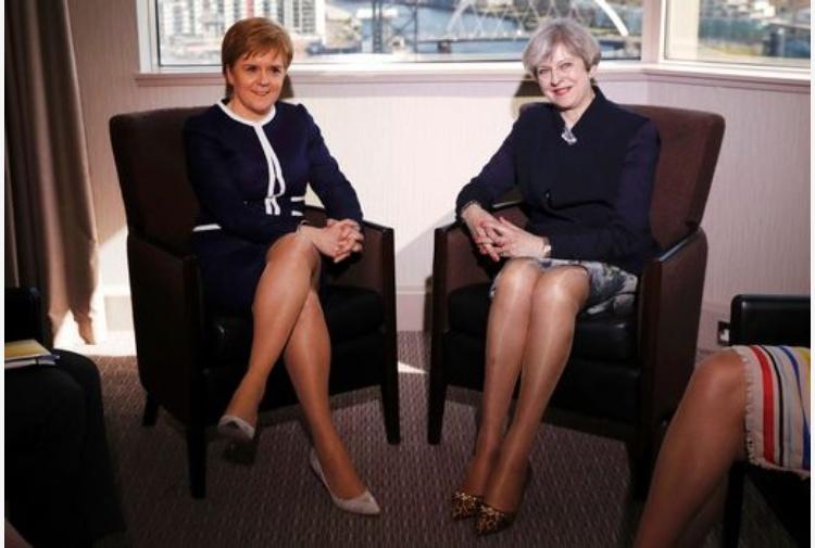 May, no a negoziati su referendum Scozia