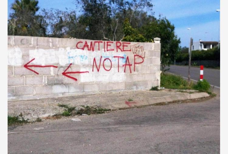 Tap, manifestazione pacifica blocca i lavori al cantiere San Foca