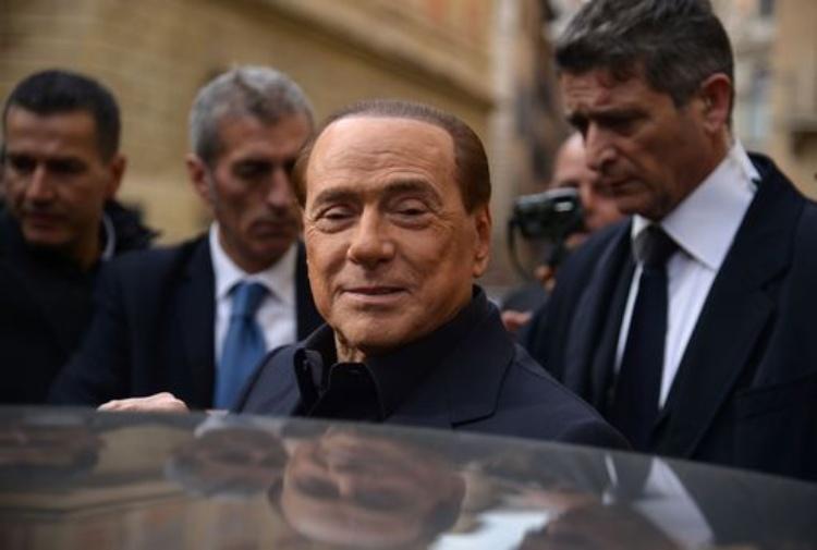 Berlusconi, no al reddito di cittadinanza: