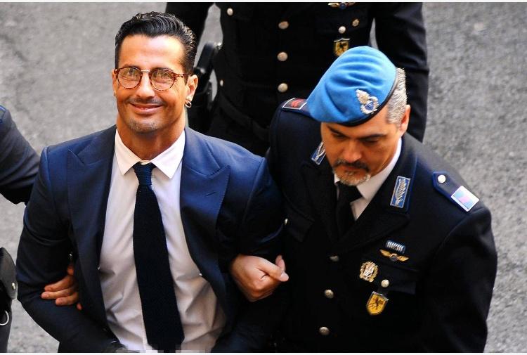 Fabrizio Corona dal giudice: