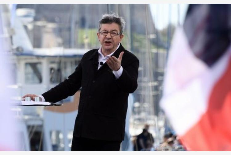 Francia: nei sondaggi Melenchon vicino a Le Pen e Macron