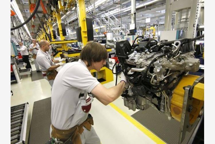Istat: La produzione industriale a febbraio cresce dell'1%