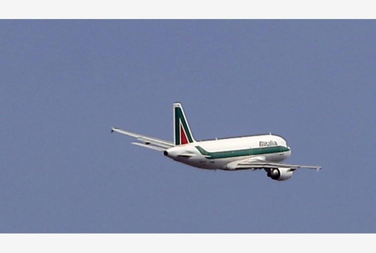 Alitalia: c'è il preaccordo con i sindacati