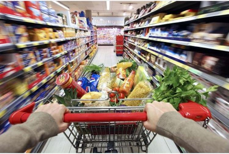 Istat, a marzo inflazione frena, prezzi a +1,4%.