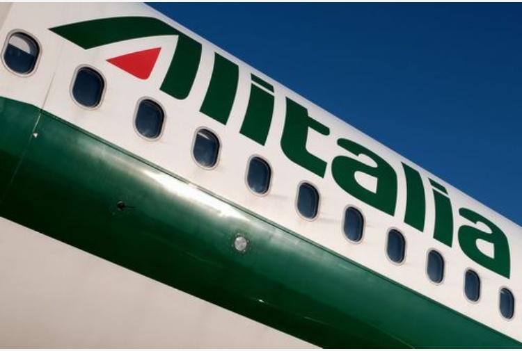 Alitalia: dal 20 al 24 aprile referendum tra i lavoratori