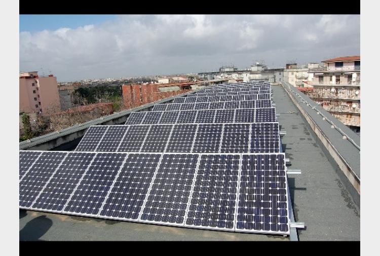 Rubati 250 pannelli fotovoltaici - Tiscali Notizie