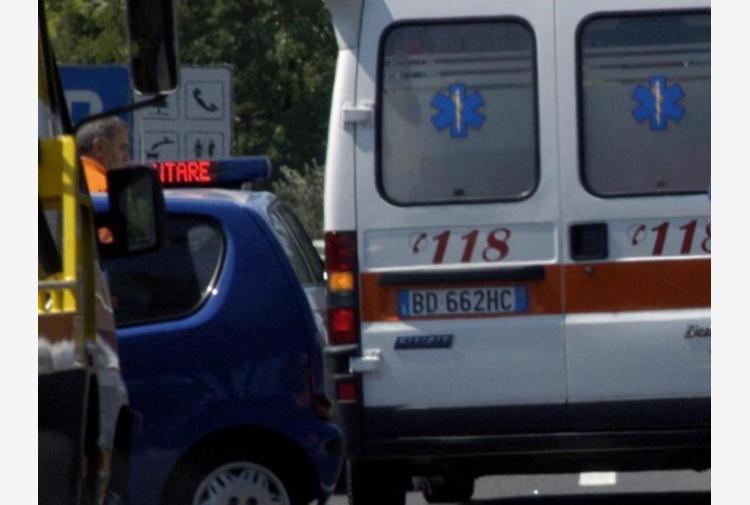 Gravissimo incidente: Auto si ribalta, un morto e due feriti