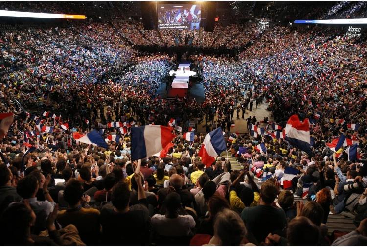 Prosegue l'inchiesta sull'attacco a Parigi alla vigilia del voto