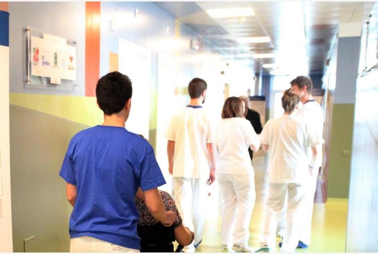 Meningite: contagiato studente 18enne del Liceo Leonardo di Milano