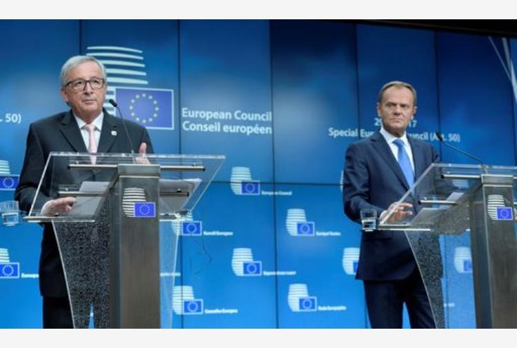 Brexit, l'Ue approva all'unanimità le linee guida per il negoziato