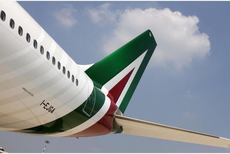 Alitalia:Calenda, aprire a interesse