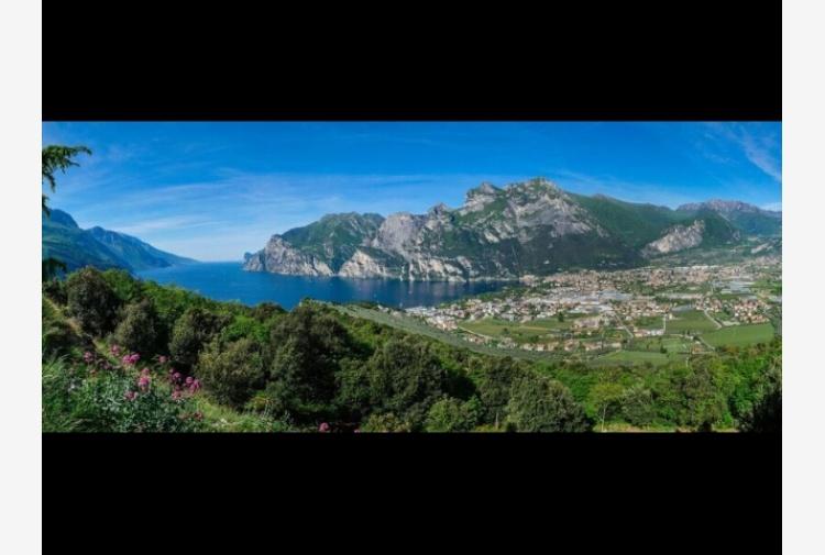 Turismo sui monti del garda trentino con ambiente for Monti del trentino
