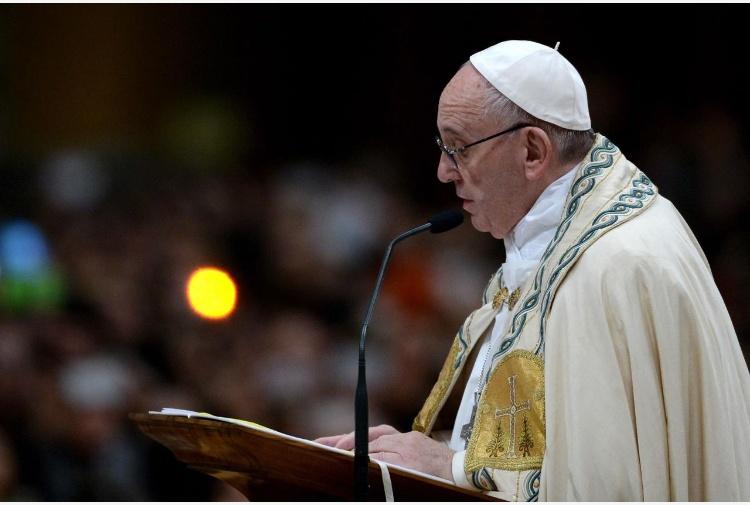 Papa a nuovi preti, pastori non chierici