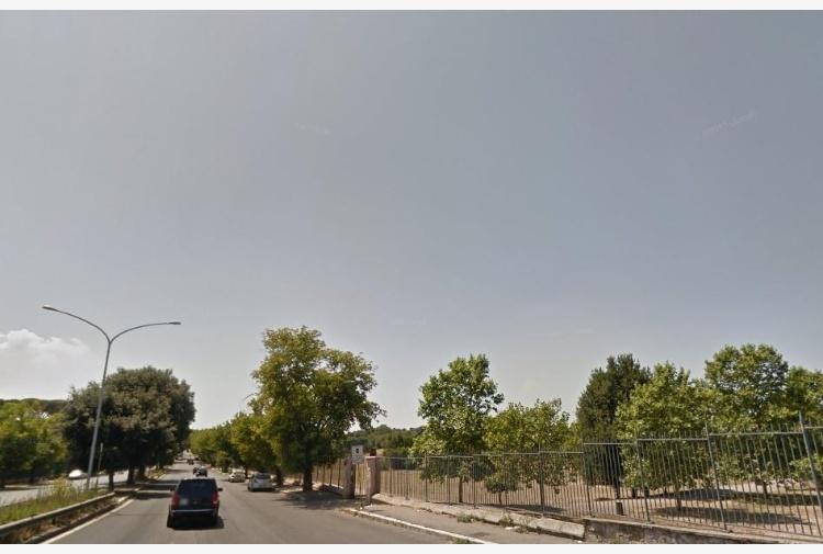 Via Leone XIII, investiti e feriti due vigili urbani in servizio
