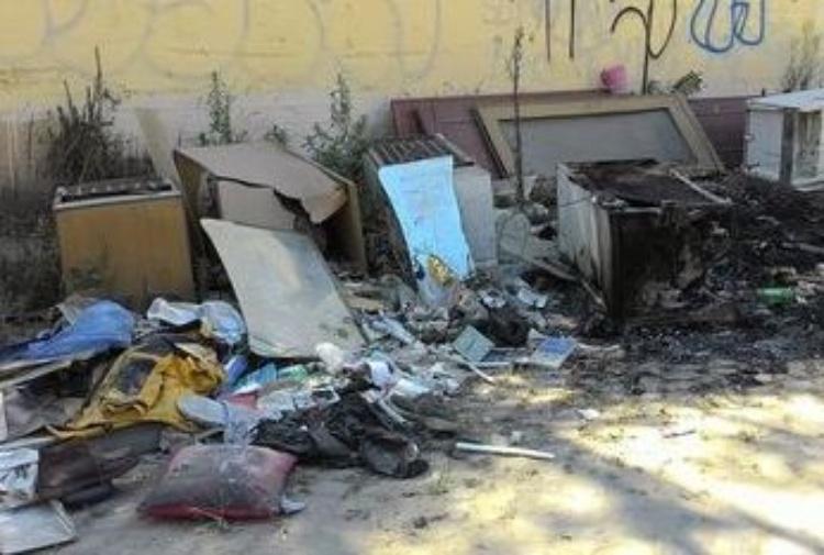 La supercazzola di Grillo sui rifiuti di Roma