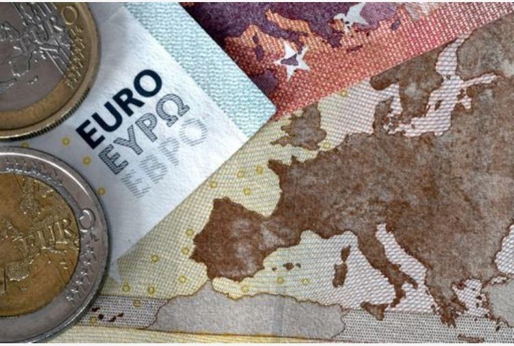 Banche, a marzo accelerano prestiti a privati: +1%