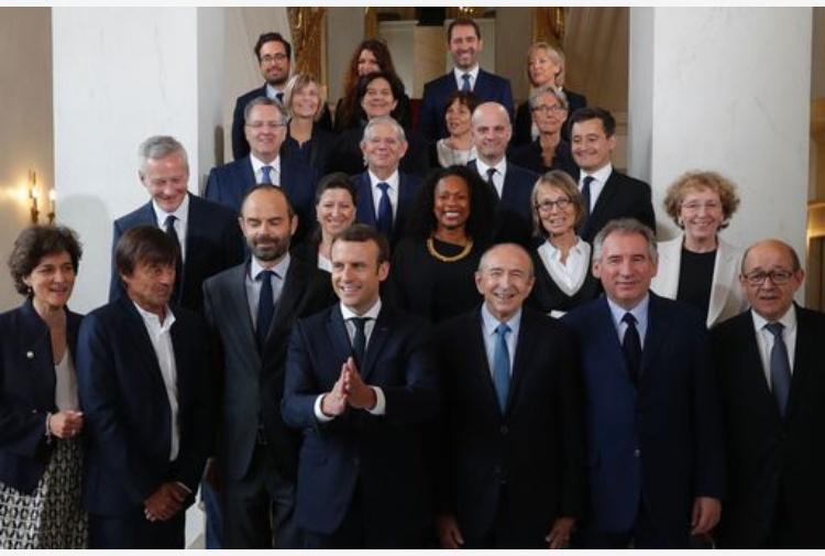 Macron: il Governo è fatto. Metà sono donne