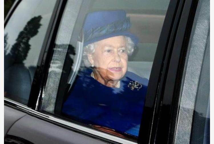 Strage Manchester, Elisabetta II: tutto il Paese è scioccato