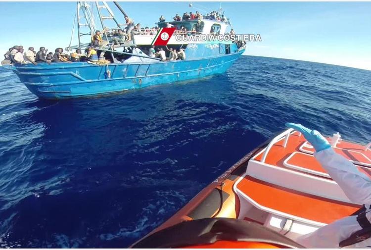 Guardia Costiera: 34 migranti morti nel rovesciamento del barcone