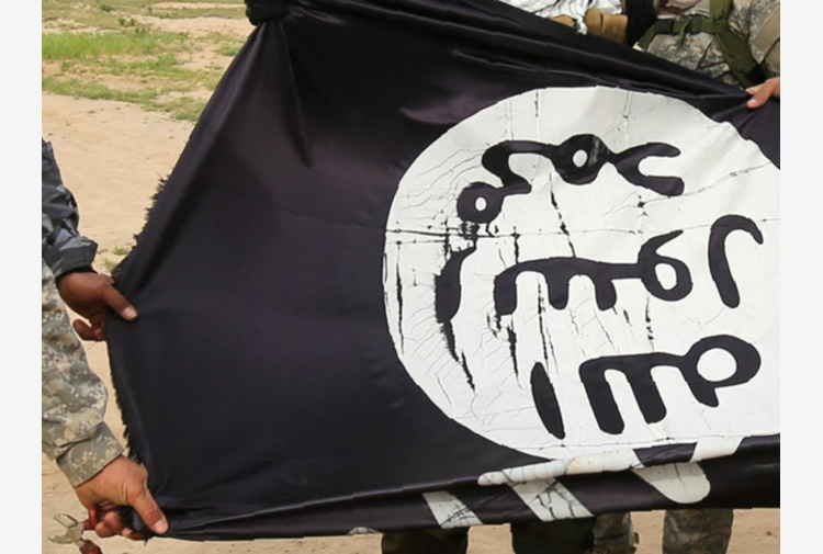 Autobomba a Baghdad, almeno 10 morti: Isis rivendica attentato