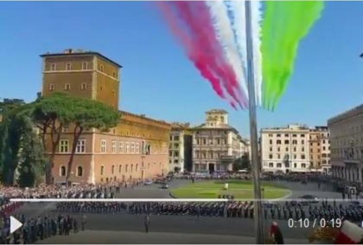 Italia celebra Festa Repubblica, omaggio Mattarella al Vittoriano