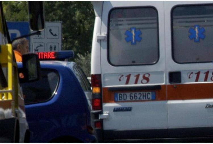 La bimba morta perché rimasta chiusa in auto ad Arezzo