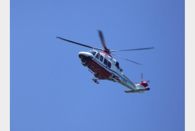 Elicottero Venezia : Cade durante scalata soccorso con elicottero in friuli