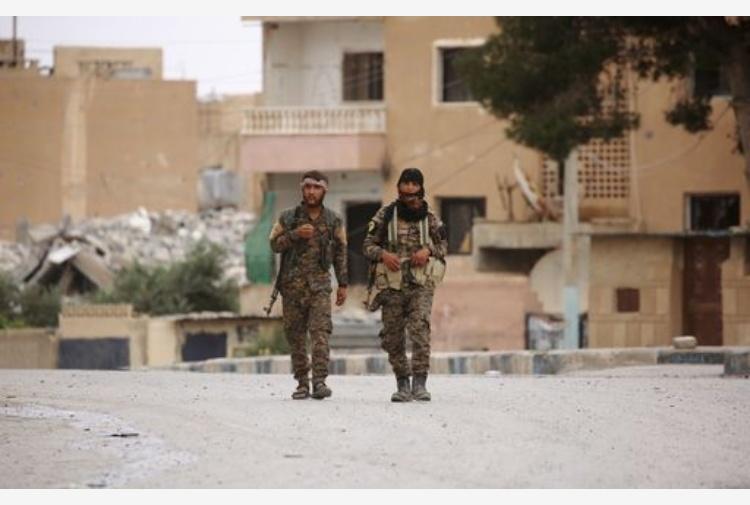 Siria coalizione Usa abbatte aereo di Damasco vicino a Raqqa
