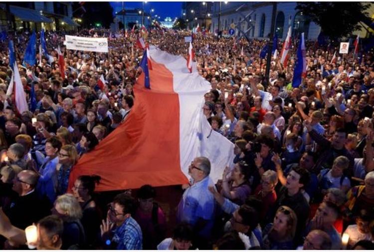 La Polonia sfida l'Ue sulla Giustizia con la riforma della Corte Suprema